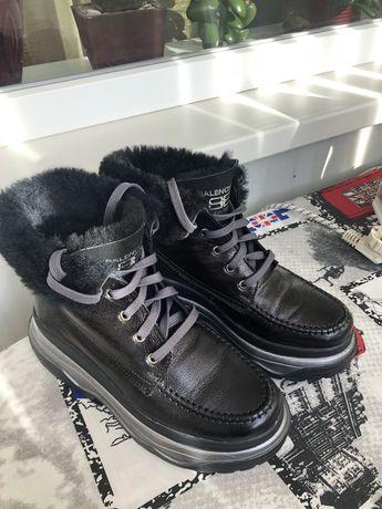 Ботинки женские 36р. (35)
