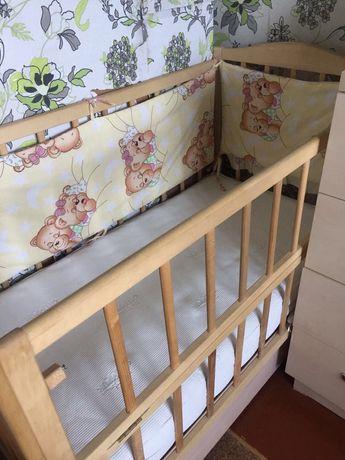 Кроватка маятник +матрас кокосовый+бортики