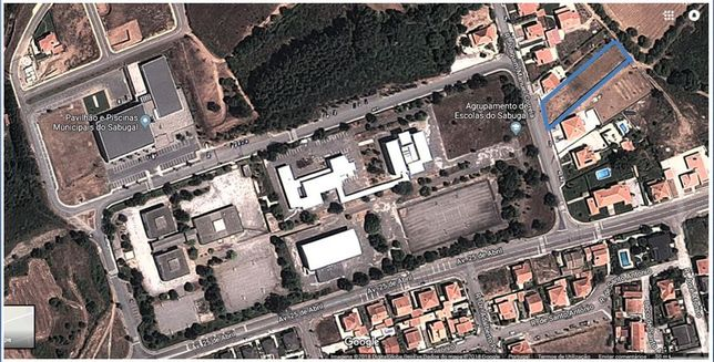 Sabugal - Lote urbanizado junto ao agrupamento de escolas - 1.200 mts