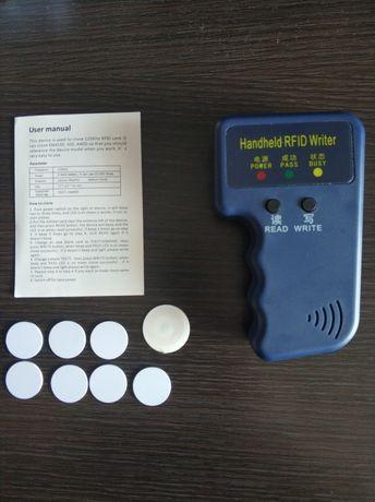 Czytnik kart, kopiarka RFID Handheld 125Khz