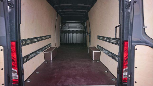 Profesjonalne zabudowy samochodów dostawczych Iveco Daily L4H2