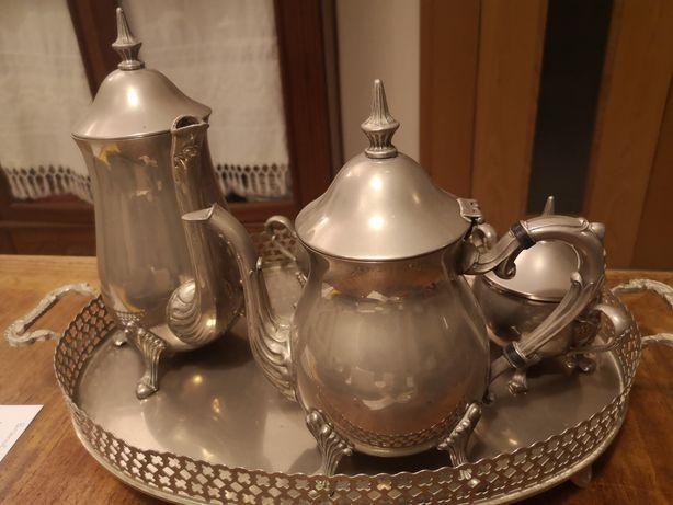Conjunto de chá antigo