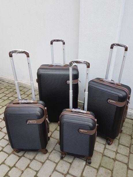 Luggage FLY 1101Польща валізи чемоданы сумки на колесах