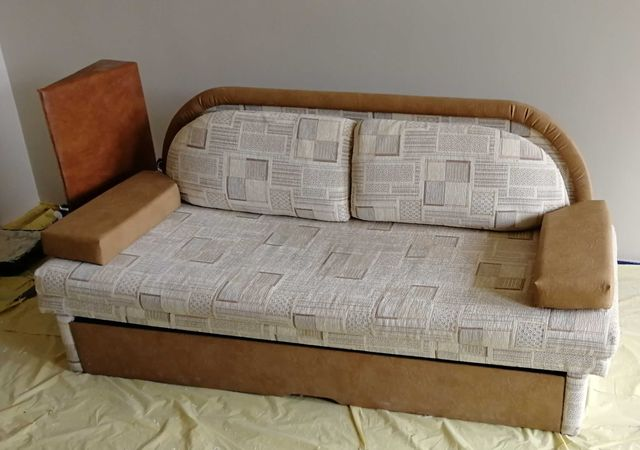 Do oddania łóżko składane
