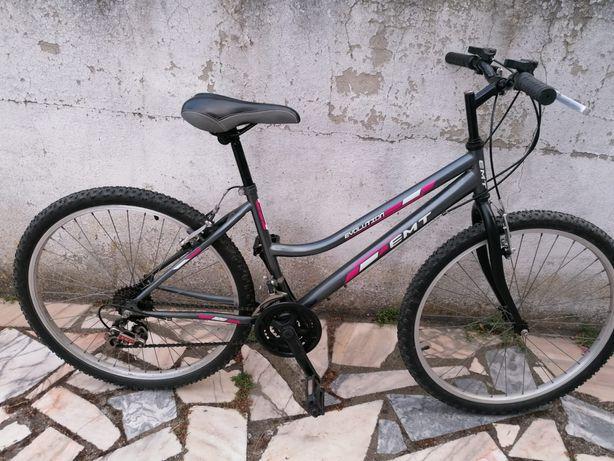 Bicicleta BTT de Senhora