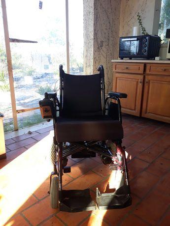 Cadeira de rodas eletrica. Bom estado.