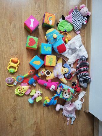 Zestaw zabawek dla dziecka niemowlaka pluszowe i grzechotki