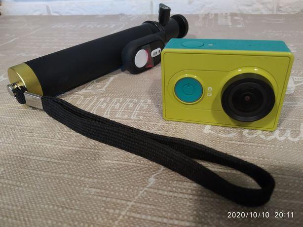 Екшн камера Xiaomi Yi Sport Green Travel International Edition з пульт