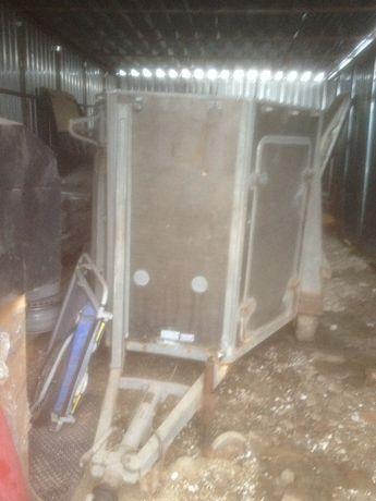 Продам прицеп для перевозки лошадей или другой живности