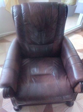 Fotel skórzany i pufa