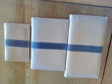 Conjunto de carteiras de imitação de couro e parcialmente com couro