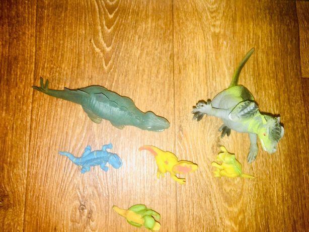 Резиновые динозавры