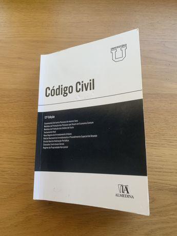Vendo Código civil, Constituição da República portuguesa e LSC