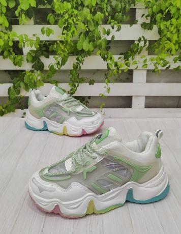 Яркие стильные кроссовки подростковые 36р - 40р