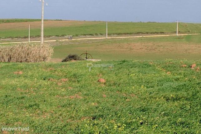 Terreno Rústico com Poço e Nora a poucos minutos da Vila do Bispo