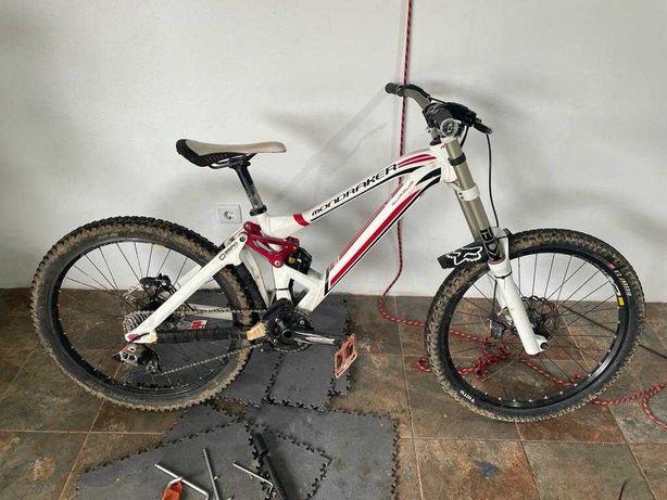 Bicicleta Downhill Mondraker Summum
