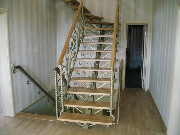 Лестница из массива, сходи