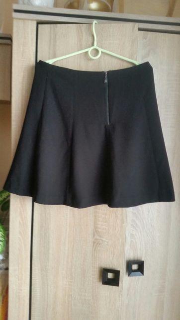 Nowa czarna spódnica reserved L
