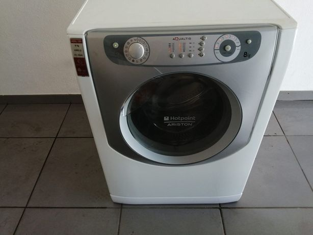 Máquina de lavar roupa.