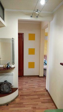 Продам 2-х комнатную квартиру в Купянске + гараж