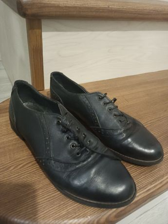 Шкіряні жіночі туфлі 38 р.