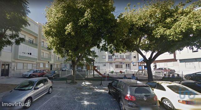 Prédio - 857 m² - T23