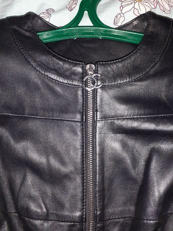 Женская кожаная куртка Chanel