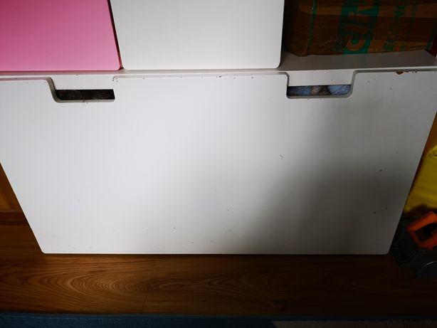 Stuva ikea biala skrzynia z kółkami