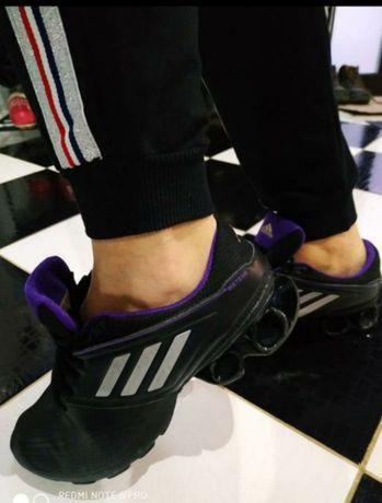 Кроссовки Adidas. Беговые кроссовки