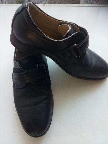 Туфли школьные кожзам 30 размер