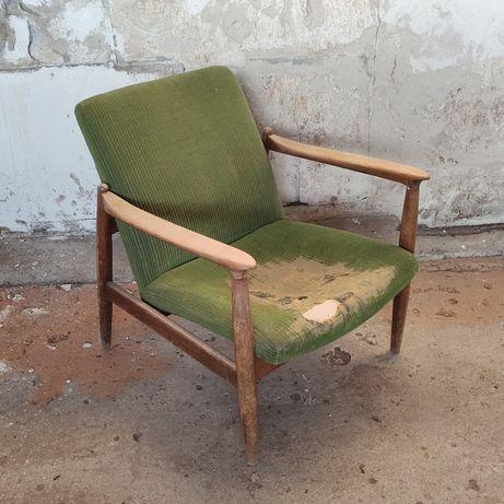 Fotel PRL, GFM 64 projekt E. Homa, do renowacji