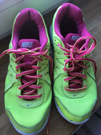 Buty nike revolution 2 neon hit do biegania fitness