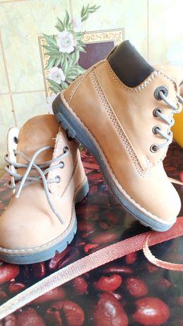 Демисезонные ботинки р24 primigi