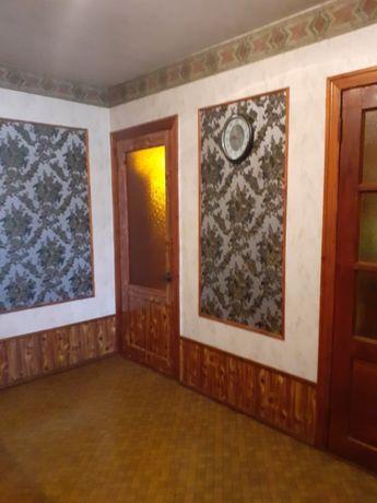 Терміново! Чотирикімнатна квартира в місті Карлівка Полтавської обл!