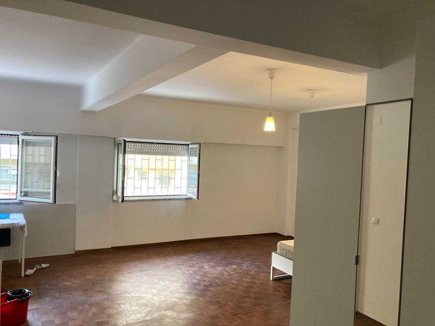 Estudio /Apartamento T0 Amadora perto estação