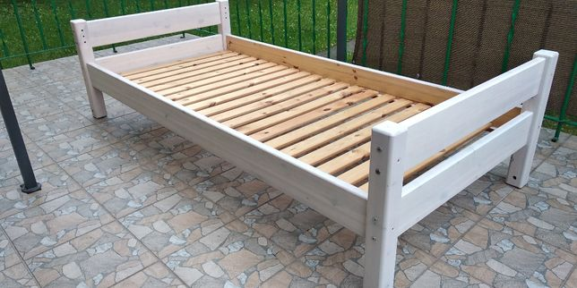 Łóżko drewniane białe dla dziecka