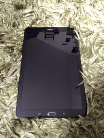 Tablet Samsung E T560