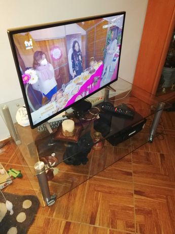 Mesa de apoio ou para televisão