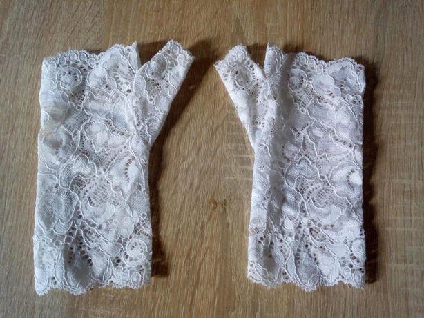 Ślubne rękawiczki bez palców