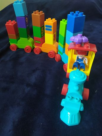 Лего Duplo ( паровозик )