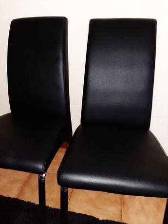 4 Cadeiras pretas sintetico
