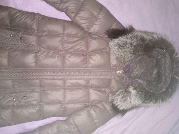 Пуховик -пальто с воротником чернобурки