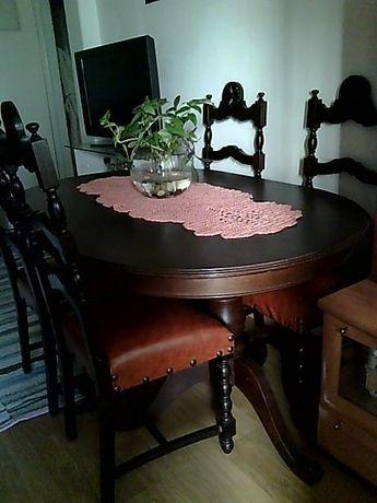mesa pe de galo extensivel + quatro cadeiras estofadas