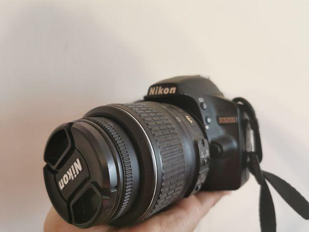 Sprzedam lustrzankę Nikon d3200