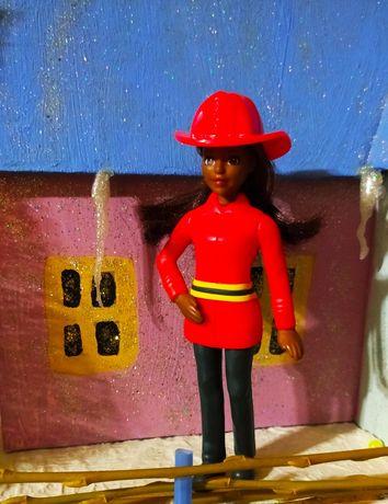 Барби пожарний, Барби Макдональдс