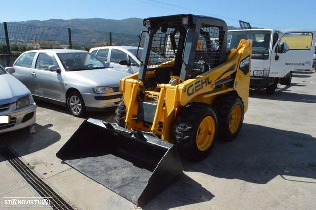 Outra não listada Mini Pá Carregadora GEHL 4240 DX