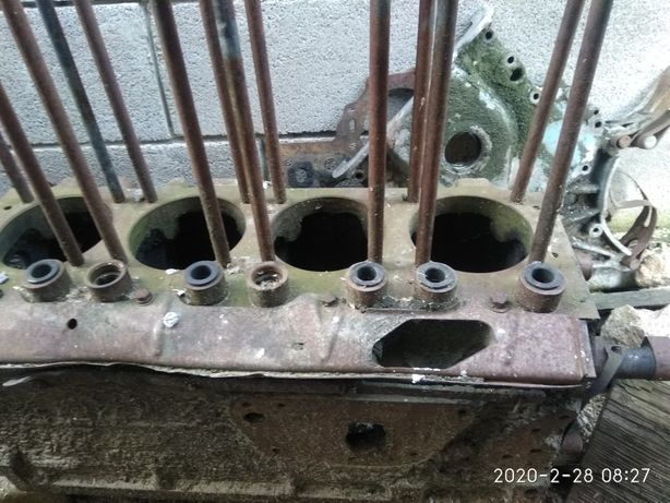 Блок мотора т 40