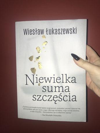 """Książka """"Niewielka suma szczęścia"""""""
