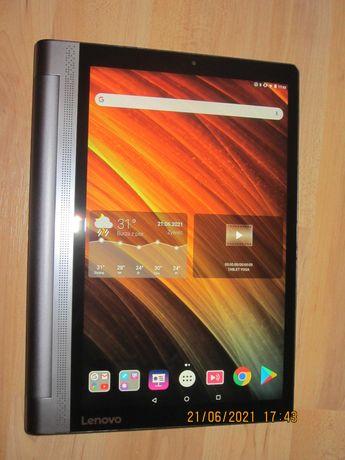 Tablet Lenovo Yoga 3 Pro z projektorem.