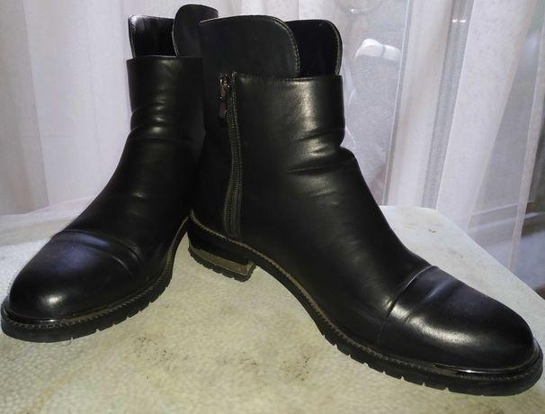 Осенние ботинки 39 размер